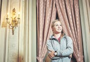 Im Luzerner Hotel Schweizerhof dort, wo sie am 11. Juli 2011 unter Tränen ihren Rücktritt verkündet hat - blickt Ariella Kaeslin nach einer schwierigen Zeit im Anschluss an ihre Sportkarriere wieder frohen Mutes in die Zukunft. (Bild Gerry Nitsch)
