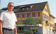 Verwaltungsratspräsident Jules Bittel sichert mit der Einhorn Sins AG die Zukunft des Traditionsbetriebs.
