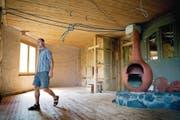 Für 1,35 Millionen Franken will Lukas Gwerder sein selbst erbautes Naturhaus an einen Käufer bringen. (Bild: Corinne Glanzmann (Seelisberg, 15. Juli 2017))