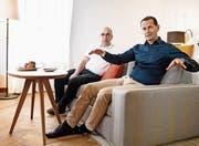 Sie gehören zu den ersten Gästen, die im neuen Hotel Palace auf dem Bürgenstock übernachten dürfen: Antonio Villani (links) und Stefan Theiler. Bild: Corinne Glanzmann (21. März 2017)