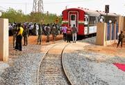 Ein ehemaliger Zentralbahn-Zug verbindet die Hauptstädte von Niger und Benin. (Bild: AFP/Boureima Hama)