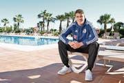 FCL-Mittelfeldspieler Filip Ugrinic (18) gestern auf der Hotelanlage in Estepona. (Bild: Martin Meienberger/Freshfocus (Estepona, 16. Januar 2017))