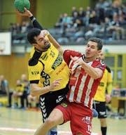 Nach halbjähriger Absenz wegen eines Kreuzbandrisses gibt Marko Koljanin (am Ball) sein Comeback und erzielt dabei fünf Tore. (Bild: Urs Hanhart (Altdorf, 25. März 2017))