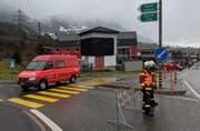 Die Autobahneinfahrt in Goldau Richtung Küssnacht ist gesperrt. (Bild: Geri Holdener, Bote der Urschweiz)