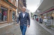 Der Engelberger Tourismusdirektor Frédéric Füssenich unterwegs in der Dorfstrasse. (Bild Corinne Glanzmann)