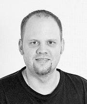 Redaktor, Mitarbeiter Oliver Mattmann fotografiert am 08. Juli 2014. Redaktion Nidwalden (Bild: Corinne Glanzmann (Neue NZ) (Neue Nidwaldner Zeitung))