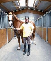 Andreas Hugener hat 22 Pferde in seinen zwei Ställen. (Bild: Werner Schelbert (Alosen, 27. Mai 2017))