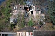 Blick auf die zerfallende Villa Landenberg. (Bild: Corinne Glanzmann (Sarnen, 18. November 2015))