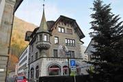 Das Café Central am Rathausplatz ist eines von mehreren Häusern im Altdorfer Dorfkern, das Oliver Blätter gehört. (Bild Anian Heierli)