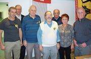 Die Jubilare und Vereinsmeister mit Veteranenhäuptling Hans Ueli Zeller; von links: Heinz Wicki (40 Jahre), Hans Ueli Zeller, Paul Lussmann (75 Jahre), Ruedi Moser (60 Jahre), Vereinsmeister Heinz Grütter, Theres Grütter (3. Platz) und Ruedi Grütter (2. Platz). (Bild: PD)