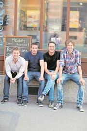 Rico Contratto (Zweiter von rechts) trat 2013 zusammen mit Florian Hoesl sowie den Urner Musikern Livio Baldelli und Benno Muheim beim Musikfestival Alpentöne auf. (Bild: PD)