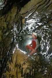 Vor 18 Jahren wurde die Sternenhöhle im Ybrig entdeckt. Die Vermessung ist in der ersten Etappe abgeschlossen. (Bild: PD)
