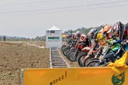 Mofa-Cross-Fahrer am Start eines Benefizrennens im thurgauischen Mauren. (Bild: PD)