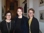 Barbara Brodmann, Vizepräsidentin des Ober- und Verwaltungsgerichtes, Landratspräsidentin Michèle Blöchliger und Regierungsrätin Karin Kayser (von links). (Bild: Kurt Liembd (Stans, (8. Januar 2018))