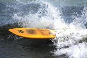 Das Surfbrett durchtrennte den Hals der Russin. (Symbolbild)