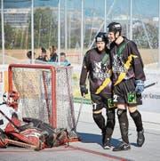 Haben Grund zum Lachen: die Oberwiler Raphael Melliger (links) und Thomas Kudela. (Bild: Jakob Ineichen (Zug, 14. Oktober 2017))
