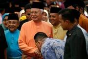 Personen aus dem Umfeld der malayischen Premierministers Najib Razak werden verdächtigt, beim Staatsfonds 1MDB Milliarden abgezweigt und in Vermögenswerte gesteckt zu haben – unter anderem in die beschlagnahmten Bilder. (Bild: AP Photo/Vincent Thian)