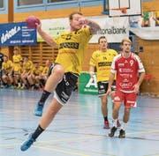 Will mit dem KTV Altdorf weg vom Tallenende: Sebastian Munzert (am Ball). (Bild: Urs Hanhart (4. November 2017))