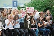 Vor einem Jahr war der Protest gross: Kollegischüler demonstrieren gegen die Fachzimmer. (Bild: Matthias Piazza (23. September 2017))