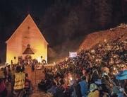 Kerzen erhellten die Ranftschlucht am letztjährigen Ranfttreffen. (Bild: Izedin Arnautovic (Sachseln, 18. Dezember 2016))