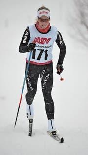 Tagessiegerin Stefanie Arnold kämpft sich durchs dichte Schneetreiben. (Bild: Urs Hanhart (Realp, 10. Dezember 2017))
