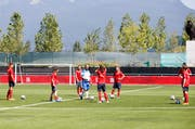 Die Schweizer Frauen-Nati beim Training in Vancouver. (Bild: Keystone)