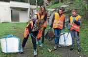 Altdorfer Oberstufenschüler sammelten gestern eine Menge Abfall ein. (Bild: PD)