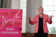 Die britische Labour-Politikerin Angela Eagle gibt das Rennen um den Parteivorsitz auf. (Bild: EPA)