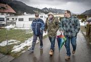 Wetterfeste Freundschaften: (von links) René Späni, André von Rohr und Peter Stadler. (Bild: Pius Amrein (Marbach, 4. Januar 2018))