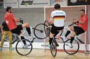 Die Form von Dominik Planzer (links) und Roman Schneider (rechts) für die Meisterrunde stimmt. (Bild: Urs Hanhart (Altdorf, 27. August 2017))