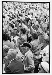 Blick in die Landsgemeinde 1994 in Oberdorf. Archivbild NZ