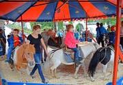 Auch für die Kleinsten hat das Dorffest etwas zu bieten. (Bilder Beat Christen)