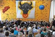 Die Auftritte des Blasmusikfestivals konnten drinnen und draussen genossen werden. (Bild Urs Hanhart)