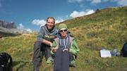 Outdoor-Spezialist David Bittner mit Lukas auf Melchsee-Frutt. (Bild: PD)