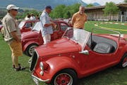 Knapp 300 Fiat 500 sind in Sarnen zu bestaunen. (Bild: Corinne Glanzmann / Archiv)
