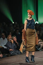 900 Interessierte haben gestern den Fashion Day im Luzerner Saal des KKL besucht, an dem LU Couture ihre Herbst-/Winter-Kollektion vorstellte. (Bild: Philipp Schmidli (Luzern, 14. Oktober 2017))