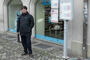 Warten auf den Tellbus. So beginnt der Arbeitstag des Altdorfers Stefan Hildenbrand, der in Bern arbeitet. (Bild: Mathias Fürst (Altdorf, Januar 2018))