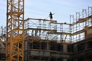 Gebaut wird in Uri viel, doch noch finden die Neubauten ihren Absatz. (Bild: Keystone/Gaetan Bally)