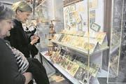 Besucher im Historischen Museum in Uri. (Bild: Urs Hanhart)