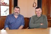 Der neugewählte Allmendaufseher Lukas Wyrsch (links) und der Abtretende, Beat Infanger (rechts). (Bild: Elias Bricker)