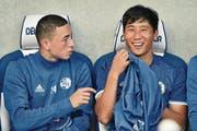 Hatte noch kaum Einsatzminuten: Il-Gwan Jong (rechts) zusammen mit Teamkollege Ruben Vargas. (Bild: Martin Meienberger/Freshfocus (Luzern, 20. Juli 2017))