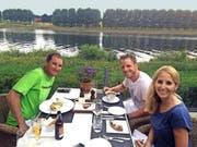 Reto Wallimann, Severin Portmann und Martina von Wyl (von links) nach der 2. Etappe in Koblenz. (Bild: PD)