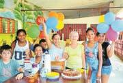 Emma Arnold bei der Geburtstagsfeier eines der vielen Kinder, denen sie in Kolumbien geholfen hat. (Bild: PD (10. Mai 2016))