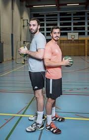 Nikola Perovic aus Serbien (links) und Fernando Skrebsky Dutra aus Brasilien: Mit ihrer Hilfe will der BSV Stans den Ligaerhalt in der NLB erzwingen. (Bild: Manuela Jans-Koch (Stans, 30. November 2017))