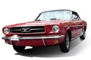 Oldtimer – wie dieser Mustang – erfreuen die Autofans. Bei einem Kauf eines anderen Occasionsfahrzeugs erlebten die Käufer in Uri aber eine böse Überraschung. (Bild: Manuela Jans / Neue UZ)