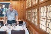 Der zurückgetretene Gastro-Präsident Urs Emmenegger in seinem Restaurant. (Bild: Boris Bürgisser (Hergiswil, 20. Juli 2017))
