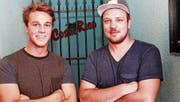 Fabio Dittli (links) und Daniel Baumann machen aus der Costa-Rica-Bar ein neues Nachtlokal. (Bild: Florian Arnold (Altdorf, 13. Juni 2017))