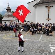 Die Fahnenschwing-Darbietungen waren ein Publikumsmagnet. Bild: Urs Hanhart (Bürglen, 9. Oktober 2016)