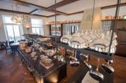 Innenansicht im Restaurant Ritz Coffier im Hotel Palace während einer Medienbesichtigung im Bürgenstock Resort; noch ist nicht klar, wer hier alles arbeiten wird. (Bild: Urs Flüeler, Keystone / Bürgenstock, 17.05.2017)