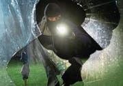 Einbrecher verschonen auch Nid- und Obwalden nicht. Doch die Präventionskampagne scheint zu wirken. (Bild: Keystone/Daniel Maurer)